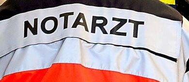 Nach einem schweren Verkehrsunfall bei Großolbersdorf am Donnerstagist eine 33-jährige Frau, die in einem der beteiligten Fahrzeuge saß, am Samstag in einem Krankenhaus verstorben.