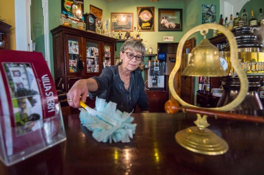 Cornelia Di Leo ist die Inhaberin des Restaurants und der Pension Villa Stern in Neukirchen. Vor allem große Feiern hatten bis zum Lockdown das Geschäft der Gastronomin mitbestimmt.
