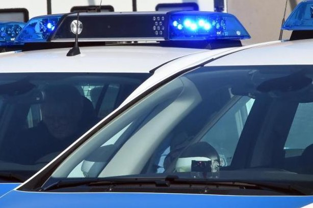17-Jähriger mit Waffe bedroht