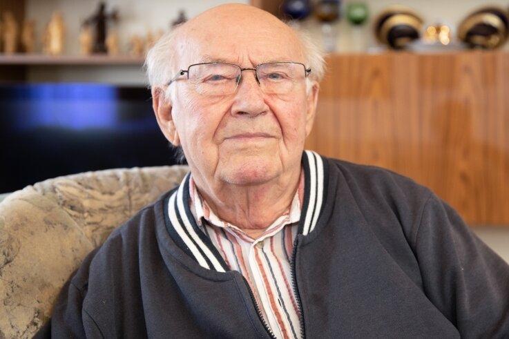 Seit 70 Jahren gehört Herbert Mehnert dem Männergesangverein 1838 Elterlein an. Am heutigen Dienstag feiert er seinen 90. Geburtstag.