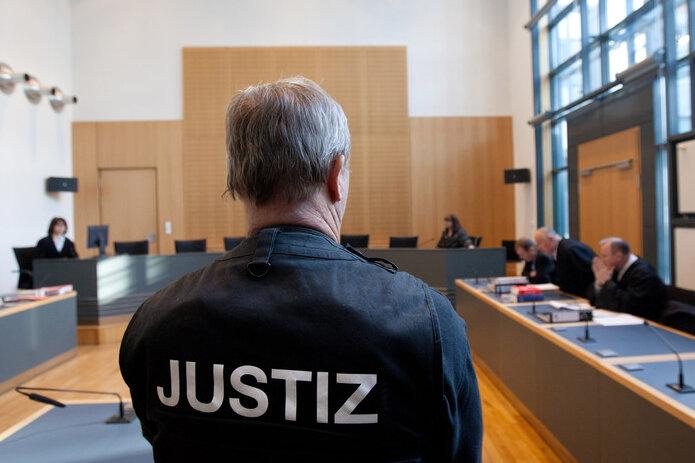 Plauener Richter wirft falschen Anwalt aus dem Saal
