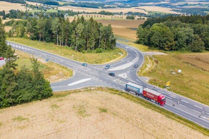 Schneeberg erhält neuen Blitzer an Zubringer-Kreuzung