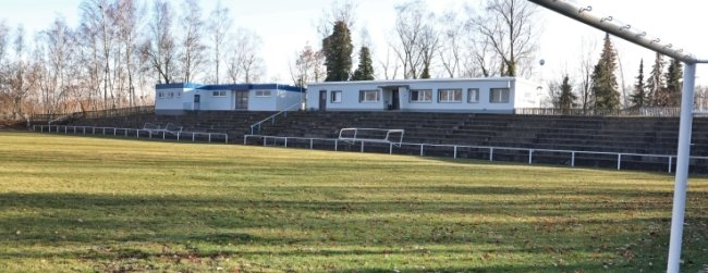 Das Gersdorfer Stadion: Der Rasenverkauf hat begonnen.