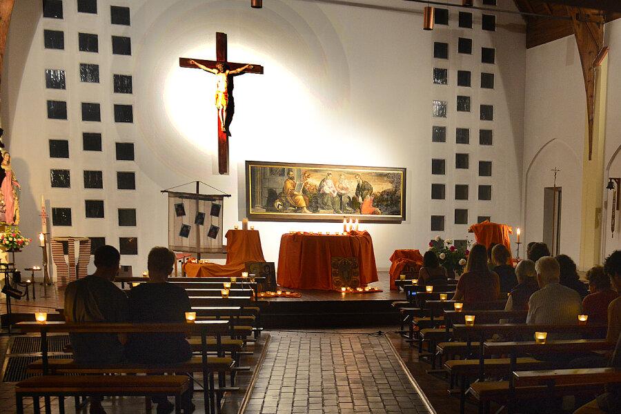 In der Katholischen Kirche Mittweida fand einTaizé-Gebet statt.