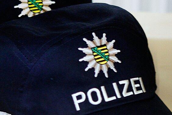 20-Jähriger bedroht Mann mit Waffe