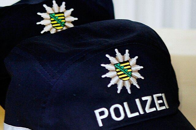 Vermeintlicher Telekom-Mitarbeiter stiehlt EC-Karte - Polizei bittet um Hinweise