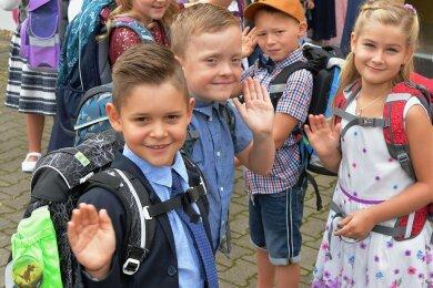 """Jetzt sind wir Schulkinder: Die Klasse 1 B der Großschirmaer Grundschule """"Friedrich Kaden"""" hatte ihre Einschulungsfeier im Bürgerhaus Reichenbach."""