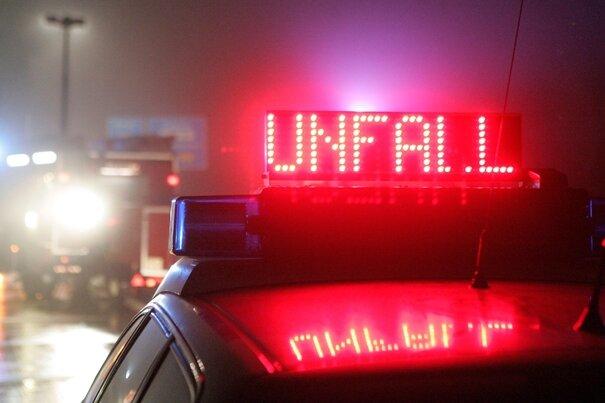 A72 nach Lkw-Unfall mehrere Stunden gesperrt