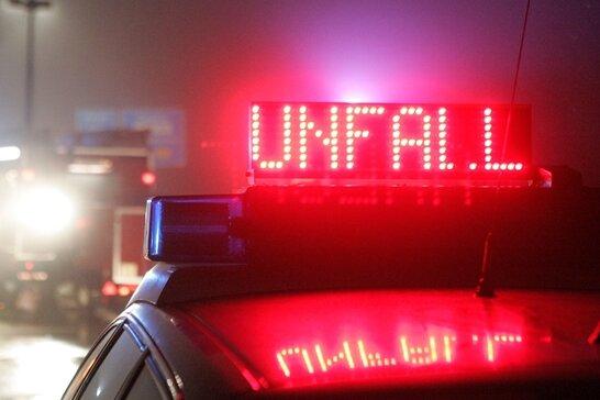 Wüstenbrand/A4: BMW prallt gegen Schutzplanke