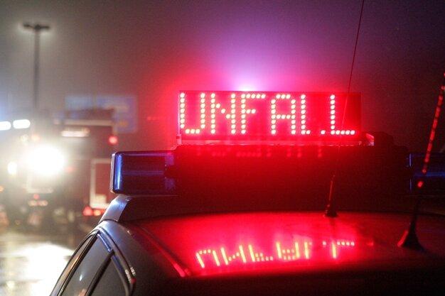 125.000 Euro Sachschaden nach Unfall mit drei Lastern auf A4