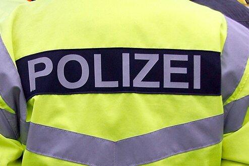Verfassungsfeindliche Schmierereien an Firmen-Autos in Zwickau