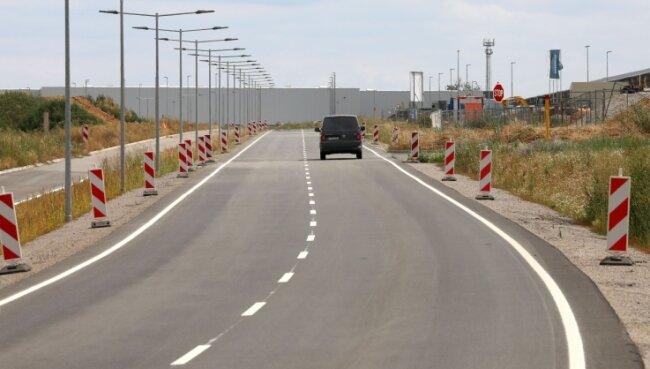 In Kürze wird die Ortsumfahrung Waldsachsen, die durch den Industriepark führt, freigegeben. Derzeit darf nur Lieferverkehr die neue S 288 benutzen.