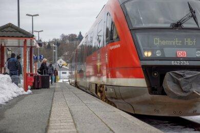 Die Erzgebirgsbahn ist ein verlässlicher Partner im Nahverkehr des Erzgebirgskreises. Bis 2025 soll nun vielerorts auch eine bessere Anbindung zum Nahverkehr auf der Straße realisiert werden.