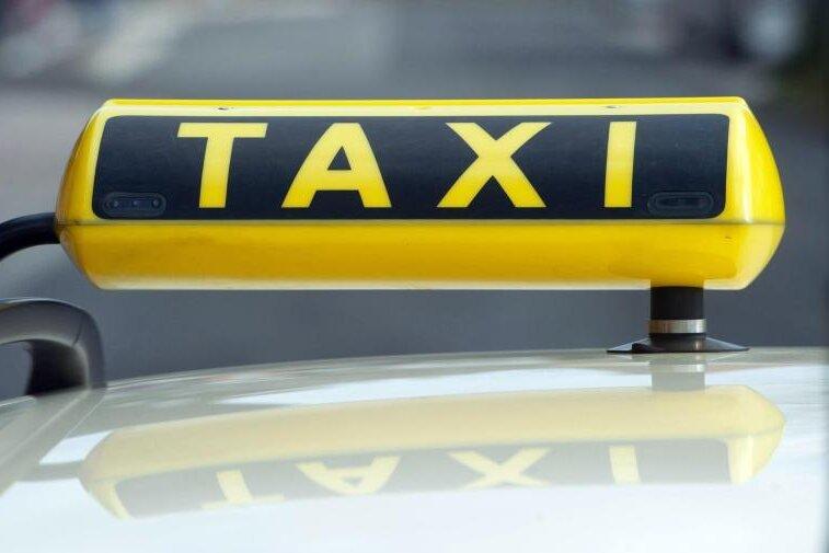 Nach Überfall wollte Täter Taxi bestellen