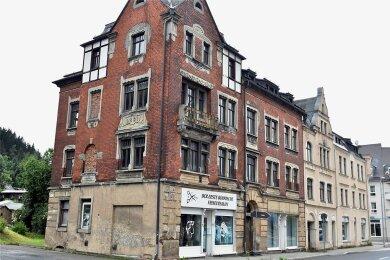 Auch Klingenthal (Vogtlandkreis) verkauft seinen kommunalen Wohnungsbestand - wie hier die Häuser in der Graslitzer Straße.