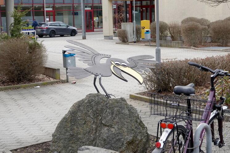 """""""Schwarzer Rabe"""" am Rabenstein-Center beschädigt"""