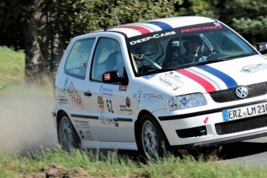 Lars Meyer und Jan Franke vom MC Grünhain geben Vollgas: Belohnt wurde ihr Mut bei der Rallye Thüringen mit dem Klassensieg.