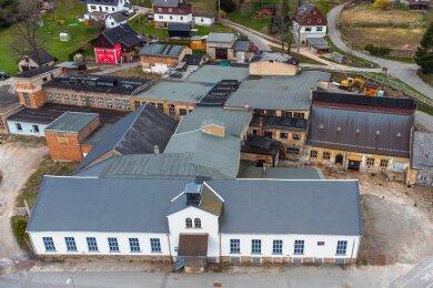 Bis auf das denkmalgeschützte Hammerwerksgebäude (vorn) sollen alle alten Anbauten aus dem Ortsbild verschwinden.