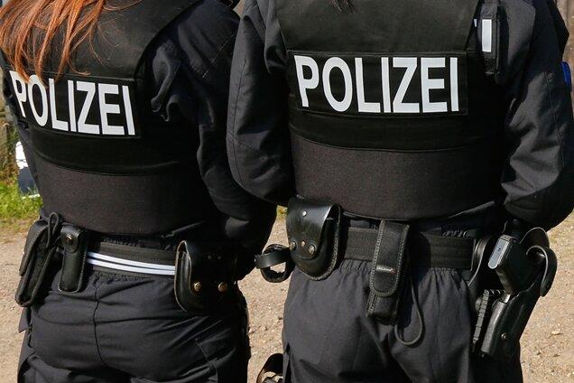 Waffen, Drogen, Sprengstoff: Polizei durchsucht Wohnung in Chemnitz