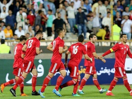 Iran feiert 1:0-Sieg gegen Usbekistan