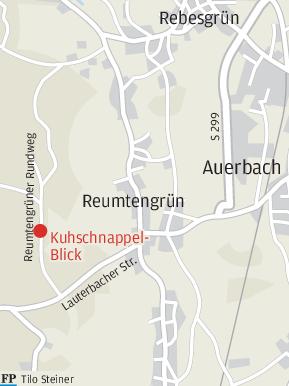 Die Jagdhornbläser aus Reumtengrün - Helmut Roth, Rita Seidel undUte Roth (von links) - umrahmten die Einweihung des neuen Rastplatzes.