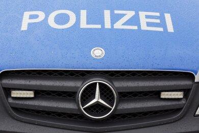 Die Polizei warnt vor ominösen Spendensammlern, die zuletzt im Raum Falkenstein und Ellefeld unterwegs waren.