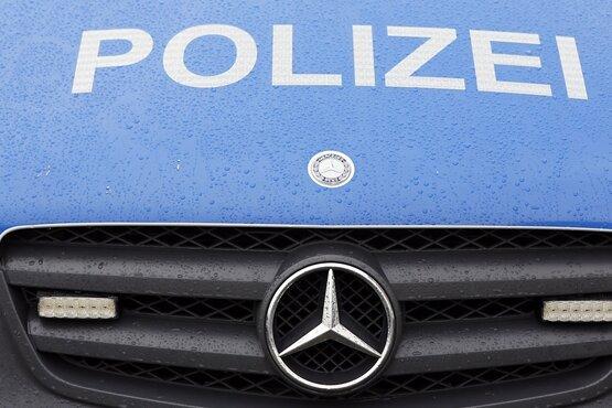 Annaberg-Buchholz: Parkplatzunfall - ein Verletzter, neun beschädigte Autos