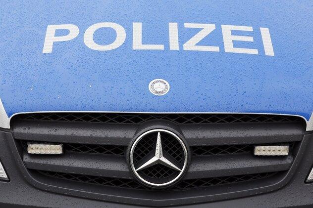 Raser kassiert fünf Anzeigen nach Polizeikontrolle
