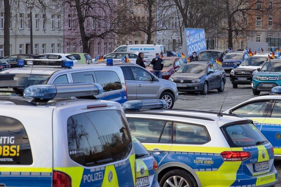 AfD Erzgebirge protestiert im Erzgebirge mit Autokorso gegen Lockdown