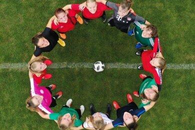 Die Stimmung vor dem ersten Heimspiel in der Regionalliga ist gut bei den Fußballerinnen des DFC Westsachsen Zwickau.