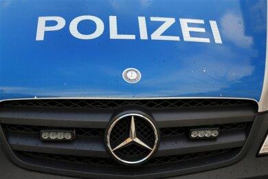 Dank aufmerksamer Einwohner hat die Polizei am Sonntagabend in Glauchau einen mutmaßlichen Einbrecher auf frischer Tat ertappt.