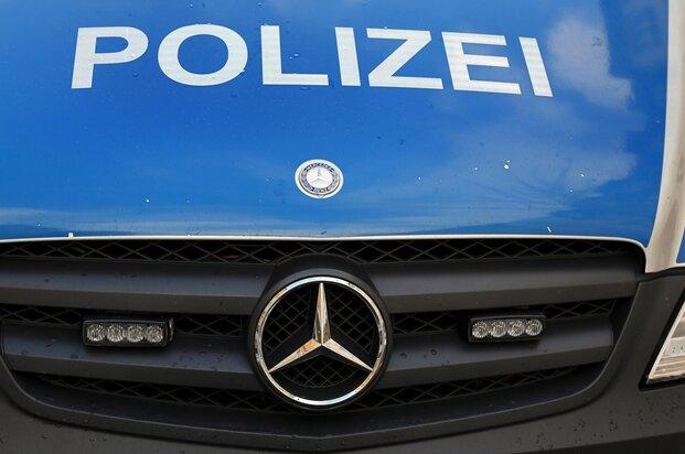 Schmierereien an Tauchschule am Stausee Oberwald - mehrere tausend Euro Schaden