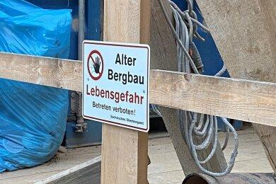 Schild am Tagebruch an der Himmelfahrtsgasse in Freiberg.