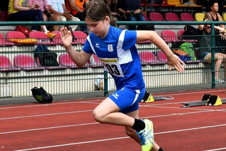 Lisa Stüber vom SV Turbine gewann drei Disziplinen in ihrer Altersklasse, darunter den 50-Meter-Lauf.