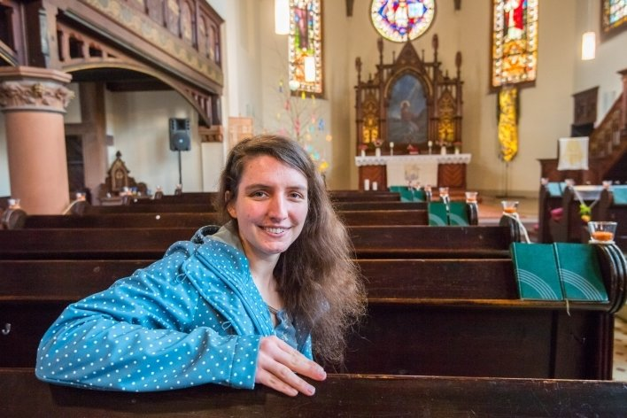 In der Martin-Luther-Kirche in Bad Schlema: Die Kirchgemeinde Bad Schlema-Wildbach hat mit Dominique Meichsner eine neue Pfarrerin.
