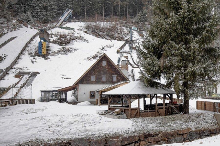 Der Skisportverein Geyer hat die Schanzenbaude im Greifenbachtal als Pächter übernommen. Er feiert 2021 sein 100-jähriges Bestehen.
