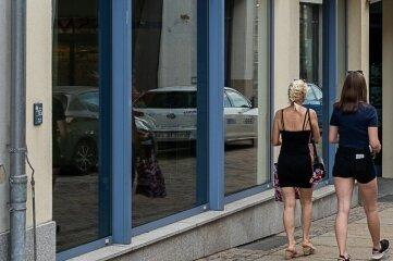 Unter anderem in Schaufenstern an der Marktstraße und am Markt wird bis Oktober ein Blick auf Industriekultur möglich sein.