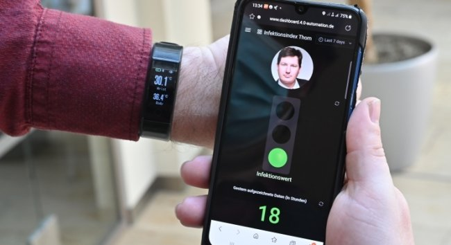 """Die Ampel steht auf """"Grün"""". Das bedeutet: Die """"Protect Watch"""" hat keine besonderen Abwehrreaktionen im Körper festgestellt."""