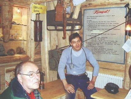 Michael Straub (rechts) in seinem privaten Besucherbergwerk.