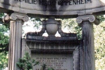 Die Grabanlage Hugo Oppenheims auf dem Städtischen Friedhof.