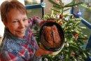Waltraud Seidel mit einer mit Maronen gefüllten Gänsebrust. Die Pobershauerin peppt auch gerne Weihnachtsgerichte mit der einen oder anderen Überraschung auf.