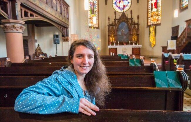 In der Martin-Luther-Kirche Bad Schlema: Dominique Meichsner ist die neue Pfarrerin der Kirchgemeinde Bad Schlema-Wildbach.