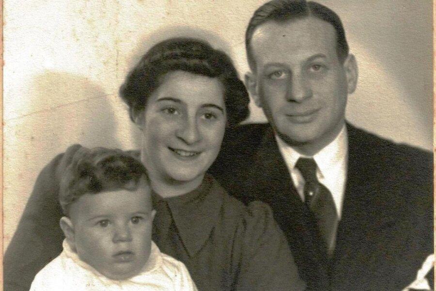 Wilhelm Alexander Oppenheim 1937 mit Ehefrau Ilse und Sohn Rainer, der sich nach der Emigration Ray Olson nannte.