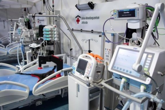 Ein Corona-Behandlungszentrum in Berlin. Nach Angaben des Ärzteverbandes sind die Kliniken auf eine zweite Corona-Welle vorbereitet.