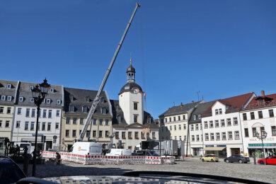 Antennen-Baustelle vor dem Glauchauer Rathaus
