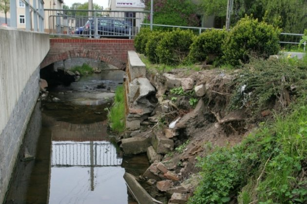 Die Casino-Brücke wird abgerissen und ersetzt. Auch die beim Hochwasser 2010 zerstörte Bachmauer will die Stadt erneuern.