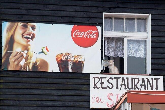 Auch dieses tschechische Restaurant kurz hinter der Grenze muss noch eine Weile auf Gäste warten.
