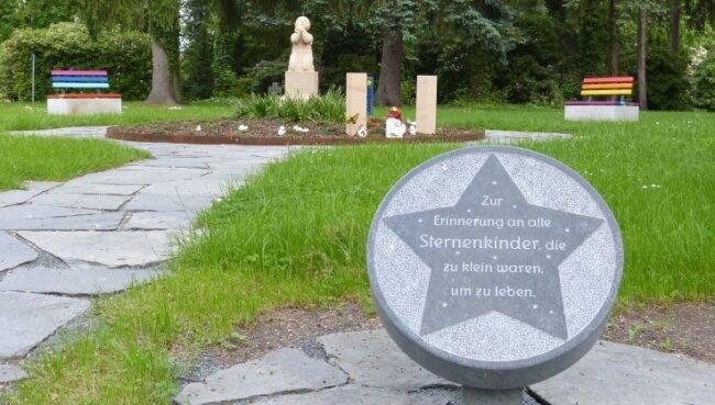 Diese Gedenkstätte für Sternenkinder wurde auf dem Zwickauer Hauptfriedhof geschaffen.