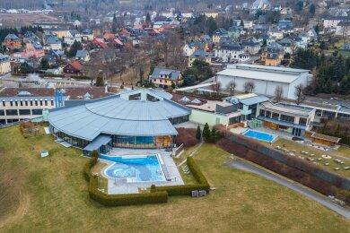 Blick auf das Gesundheitsbad Actinon in Bad Schlema. Dieses Jahr hat die Einrichtung noch keinen einzigen Tag für den normalen Besucherverkehr öffnen dürfen.