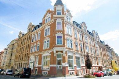 Der Besitzer des Hauses auf der Annenstraße hat eine Vision: Das Geschäft im Erdgeschoss soll ein Backshop mit Café werden. Nun fehlt nur noch ein geeigneter Pächter.
